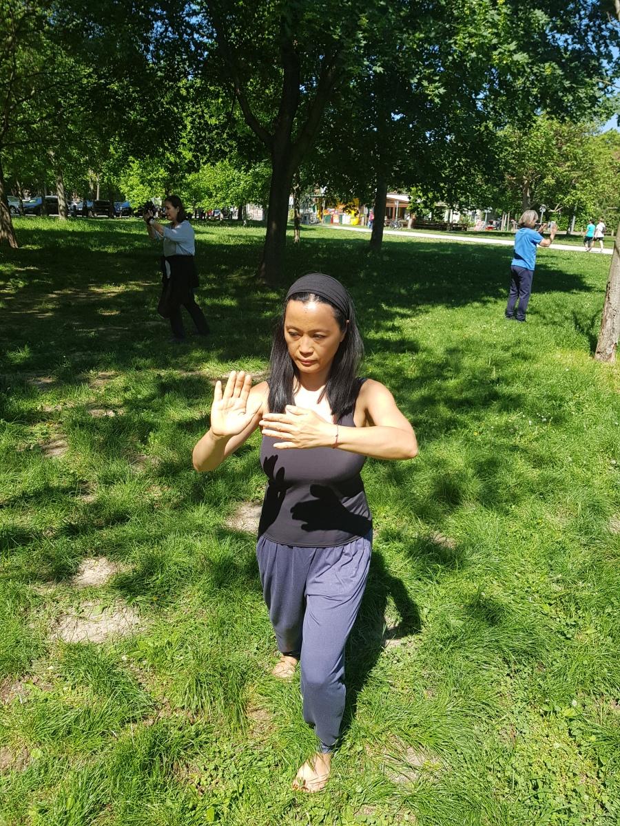 Ruhe und Kraft durch meditation in Bewegung